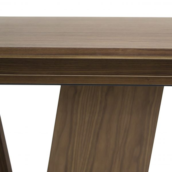 Skovby SM39 Dining Table in Oiled Walnut, Close Up