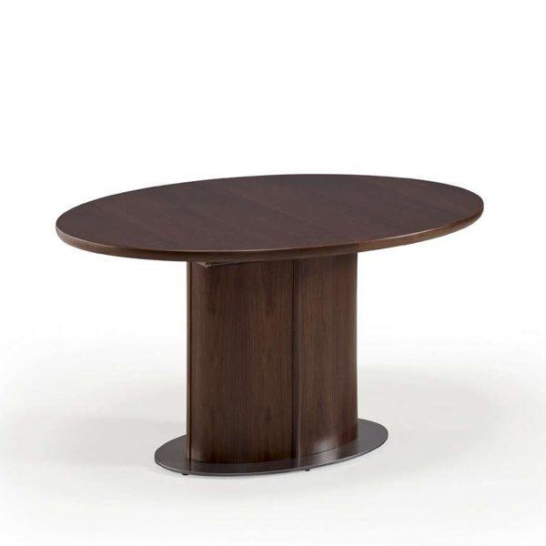 Skovby SM72 Dining Table in Walnut, Closed