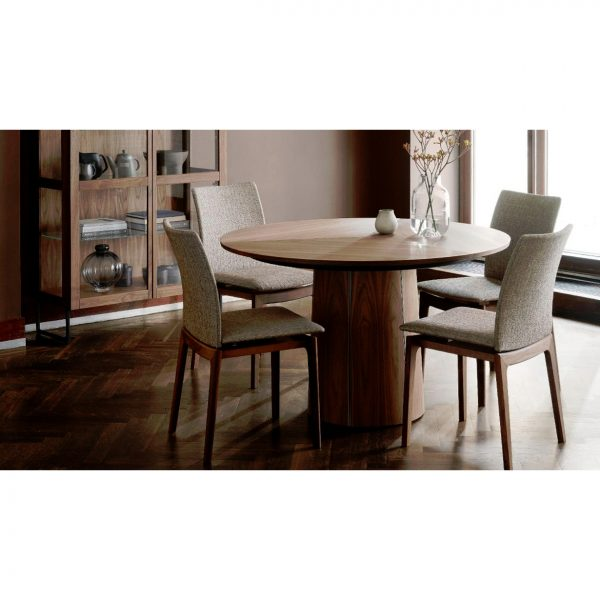 Skovby SM33 Dining Table in Walnut with Chairs