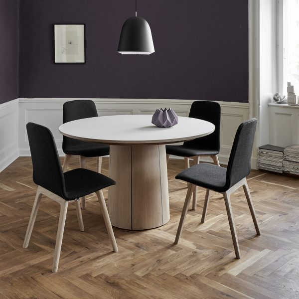 Skovby SM33 Dining Table in Oak with Chairs