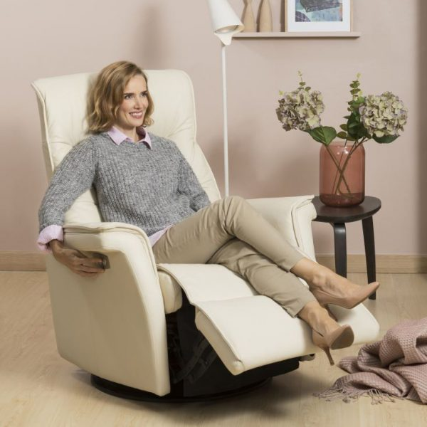 IMG Chelsea RMS Recliner in Trend Beige with Lady Reclined