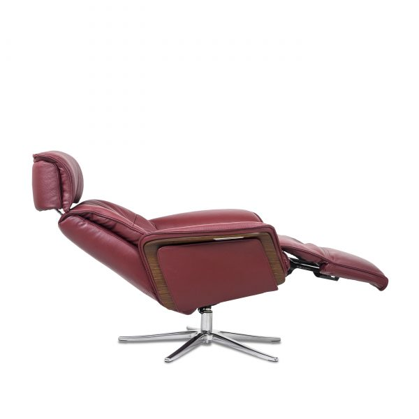 IMG Space SPM5300 in Ruby Leather, Full Recline