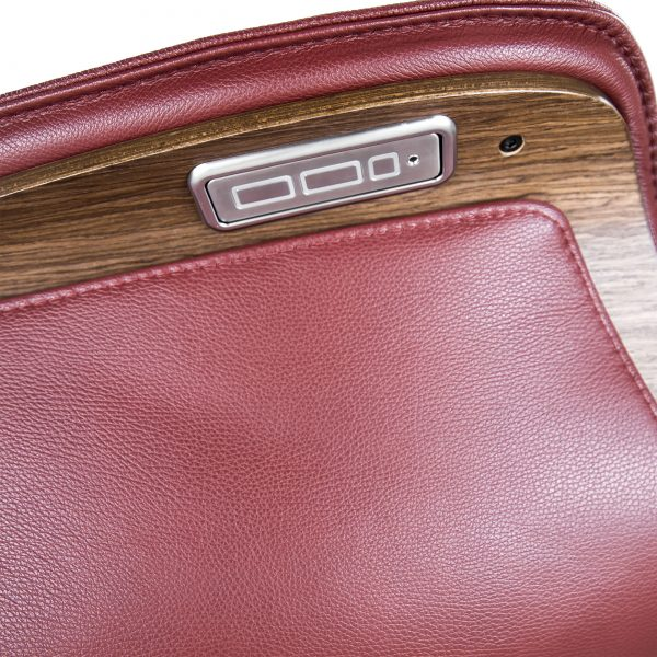 IMG Space SPM5300 in Ruby Leather, Recline Buttons