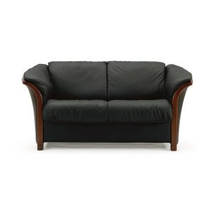 Ekornes® Manhattan Loveseat in Paloma Black with Walnut