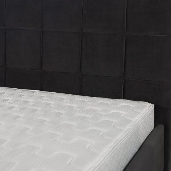 Rudy Bed in Dark Grey C39, Close Up