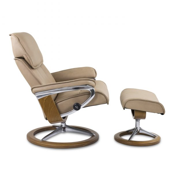 Stressless Admiral Signature in Paloma Sand with Teak Base, Side