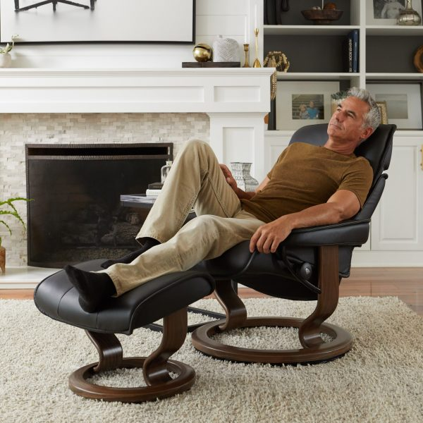 Stressless Admiral Classic Recliner in Paloma Black Leather with New Walnut Wood Base