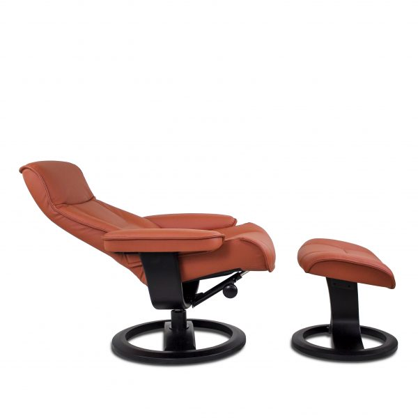 IMG Nordic 21 in Prime Rust Leather, Recline