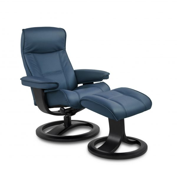 IMG Nordic 21 in Prime Sky Leather, Angle
