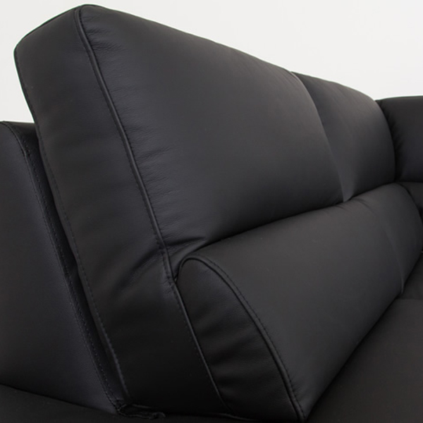 Bergen Sectional in Black Leather, Backrest Close Up
