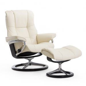 Stressless Mayfair Signature Recliner Paloma Leather Vanilla Wenge Wood Base