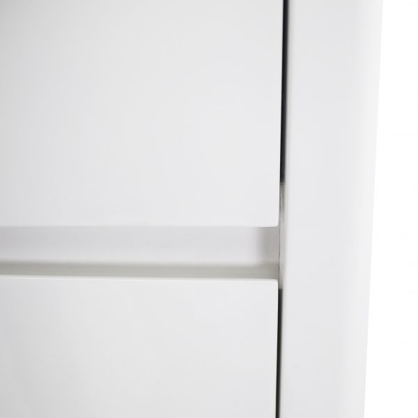 Sonja High Chest in White Lacquer, Close Up
