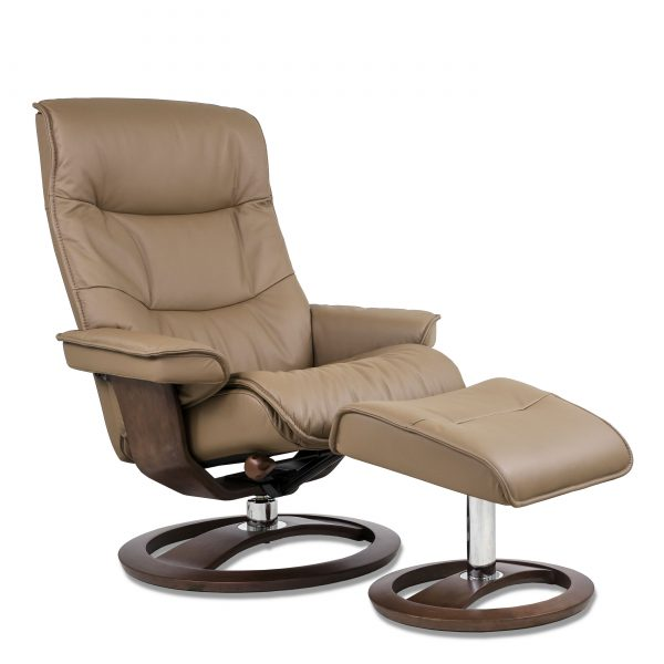 IMG Cortina Recliner in Prime Fango, Angle