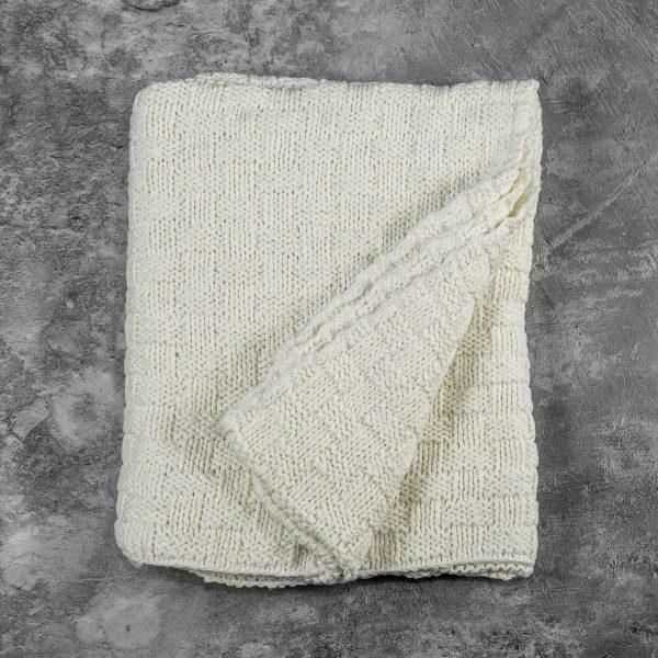 Basket Ivory Throw, Fold