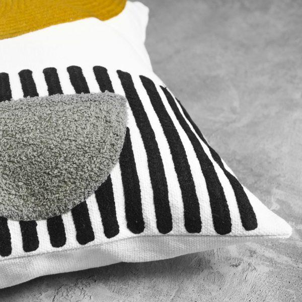 Precis Multi Pillow, Close Up