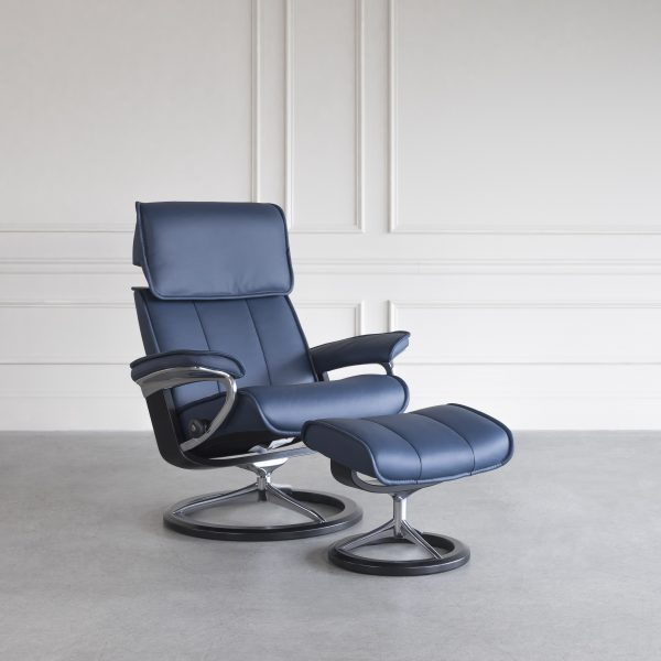 Admiral Signature Leather Recliner in Oxford Blue with a Black Base