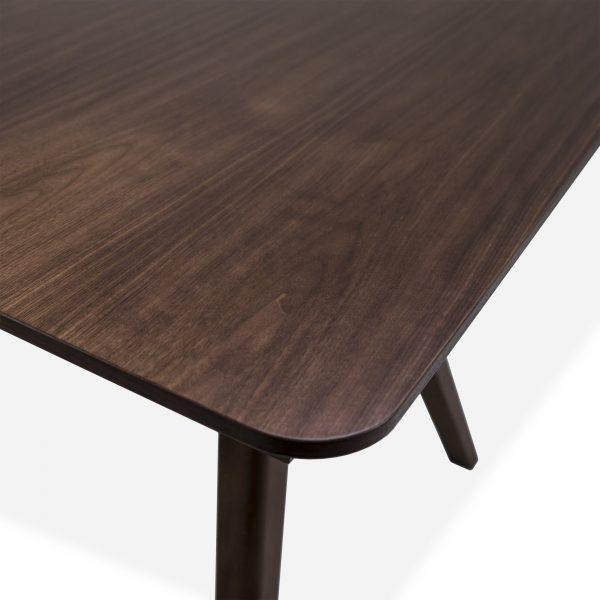 Skovby SM10 Dining Table in Walnut, Close Up
